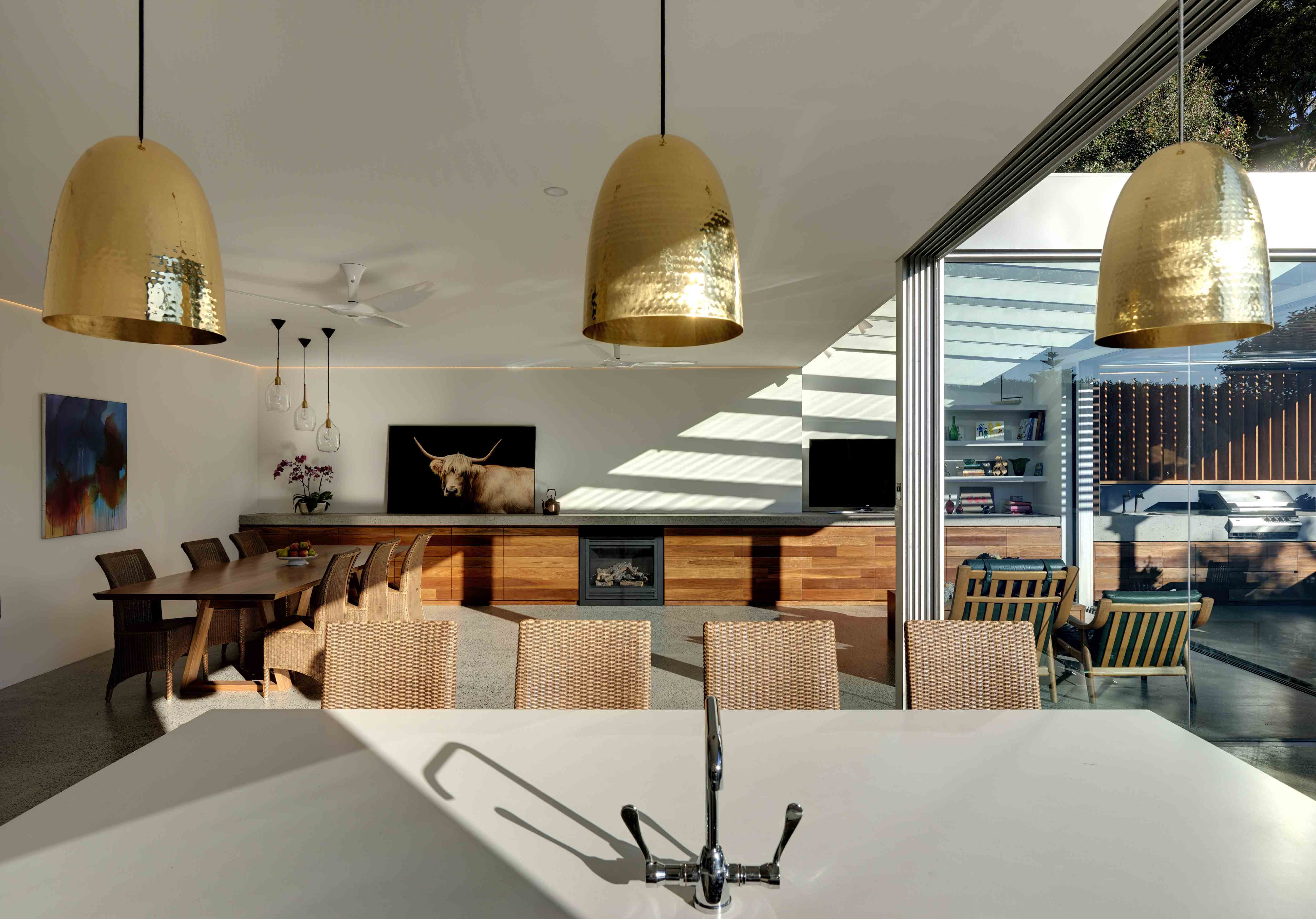 02 Gladesville House- Feature 01-studioJLA
